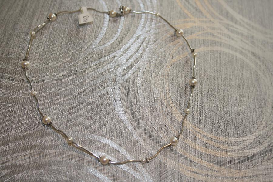 silver-&amp-pearl-necklaces-s1-2-
